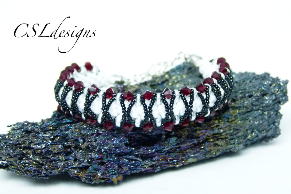 Kisses beaded kumihimo bracelet thumbnail.jpg