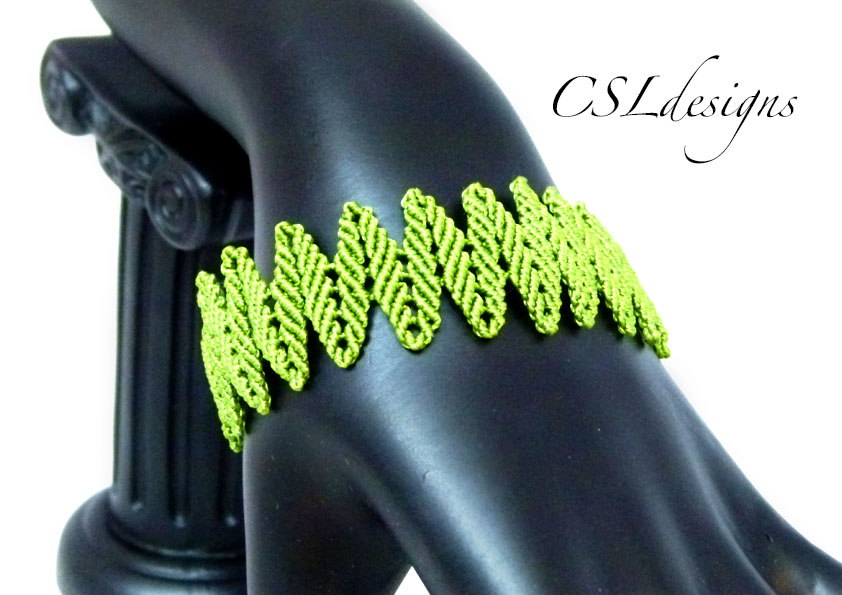 Alternating leaves micro macrame bracelet thumbnail.jpg