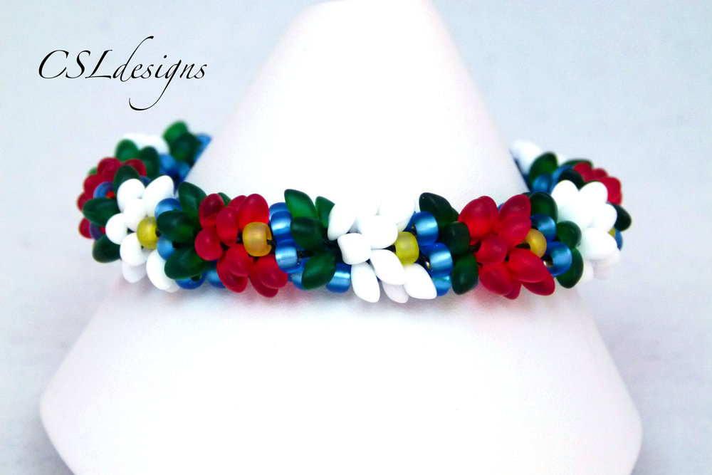 Water lilly beaded kumihimo bracelet.jpg