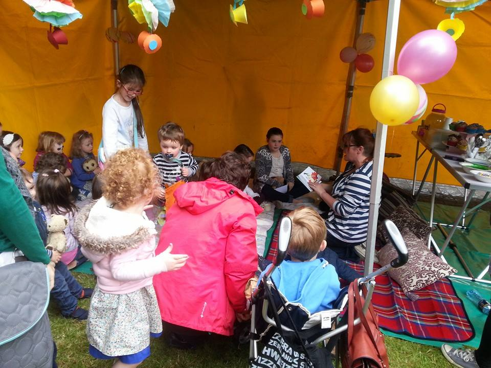 Anna doing some Storytelling for the kids at the Festival of Food 18th June '16, Boyle Courtyard Market, County Roscommon.