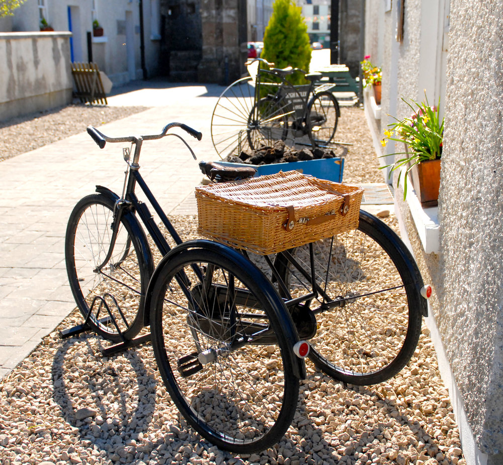 craft shop exterior.jpg
