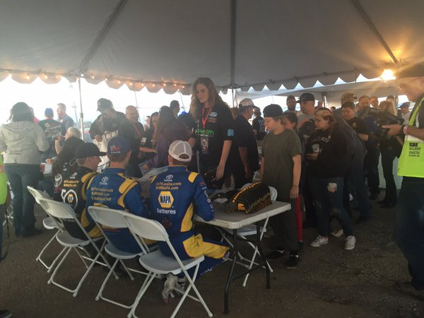KNWest Drivers with fans at Tucson Speedway.jpg