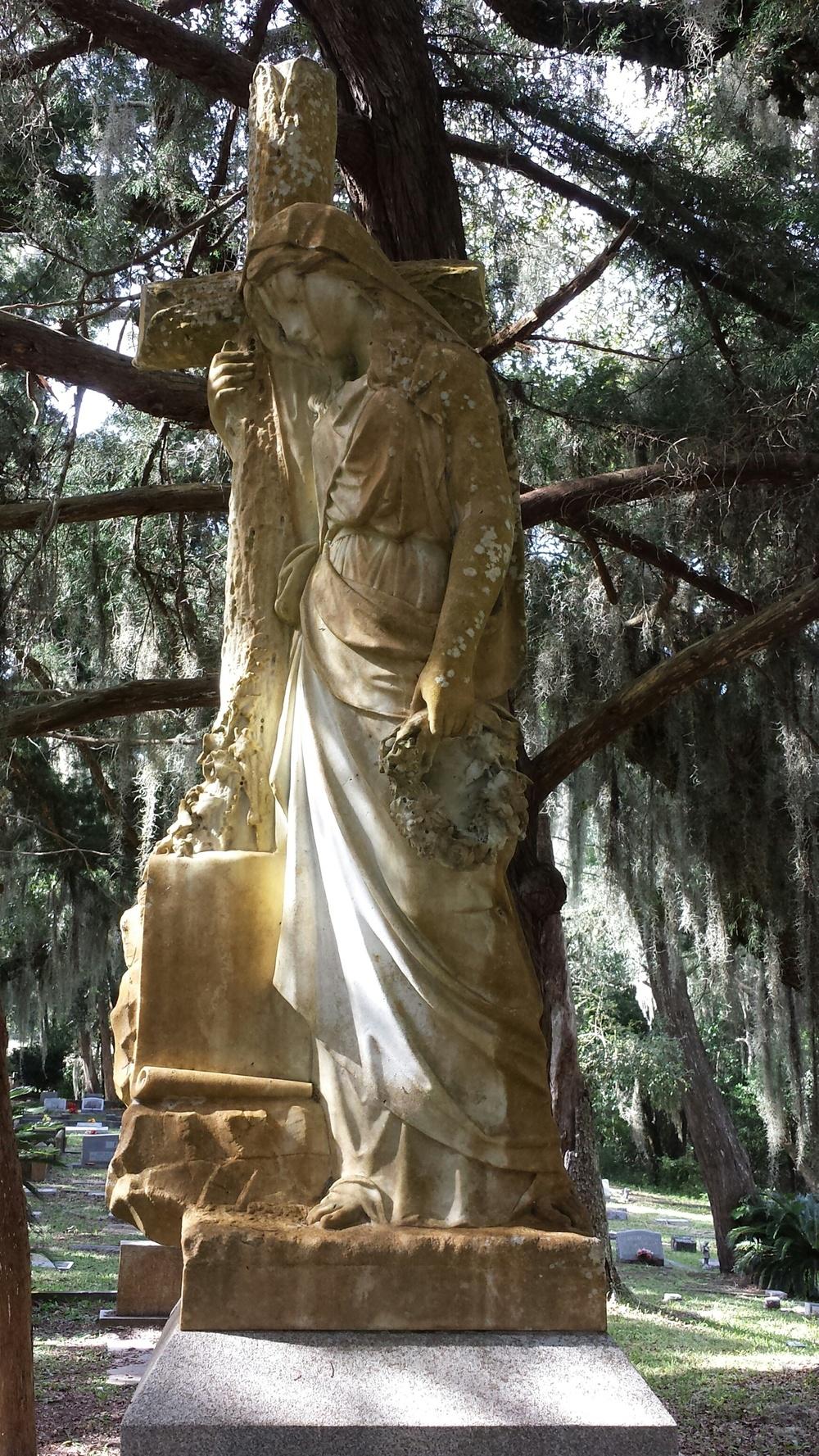 Bosquebello Cemetery 1.jpg