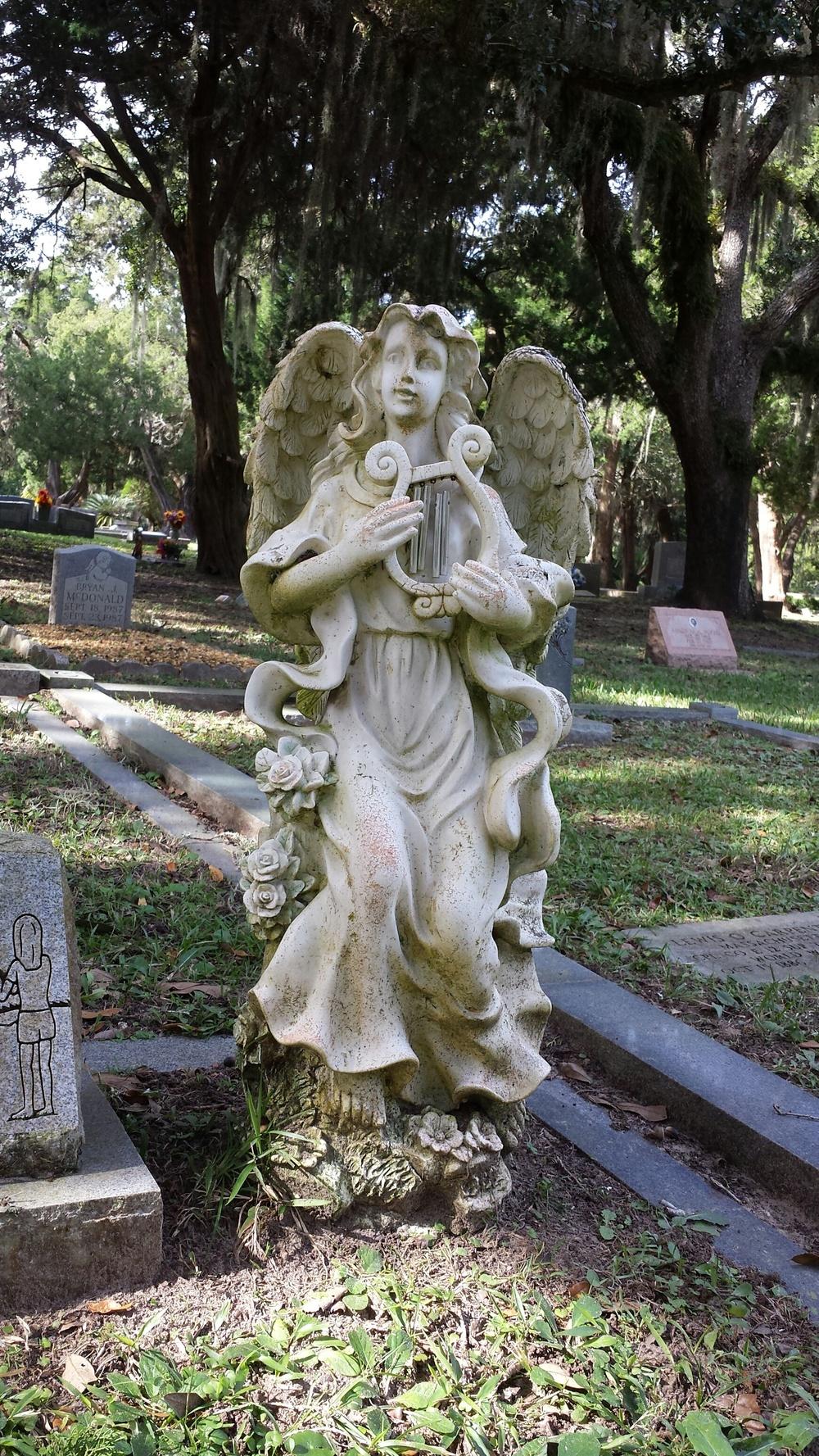 Bosqebello Cemetery.jpg