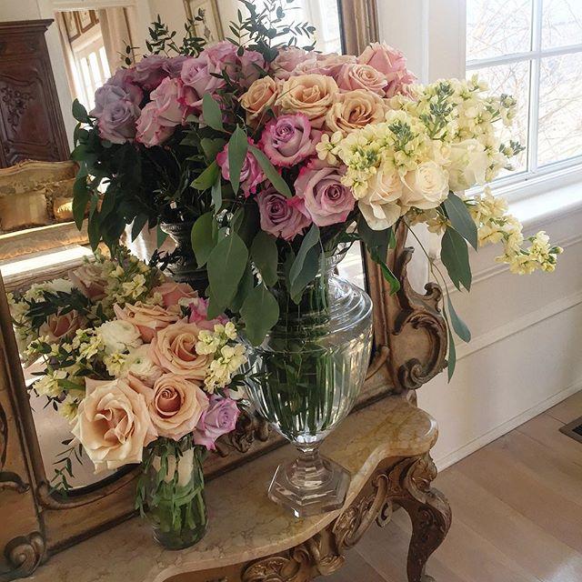 Flowers from one of our recent weddings arranged on site by June Brides.  #weddings #loveloudoun #vaisforlovers #weddingvenue #weddingflowers @highholdborne