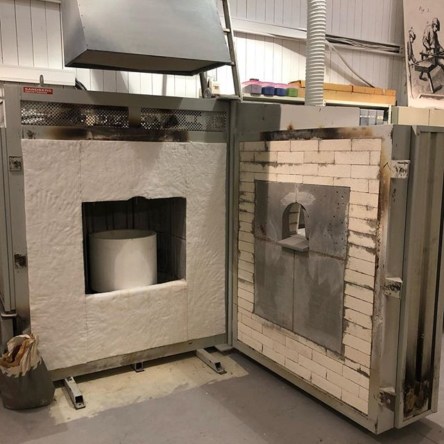 This January it was time to renovate this beauty, the glass furnace! 20 years it served, ready for 20 new ones. @engelskmannsbrygga @mettepaalgard #glass #kunsthåndværk @norgesglass #art #henningsvær #lofoten #craft #handmade #passion