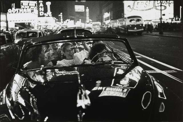 Louis Faurer: Broadway, New York, N.Y. (Between 1949 and 1950)