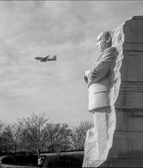 INSTAGRAM OF THE MONTH: Thank you all so much for participating in our in #NotASwamp Instagram contest. We loved seeing all the reason you love DC and call it home. Check out one of our favorites from the feed courtesy of @linaaventurista. Don't forget to tag all of your February adventures #fotoDC for a chance to be featured!