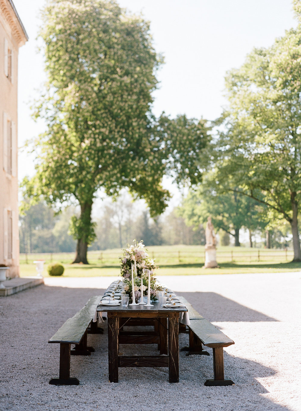 Styled welcome dinner table at the 2017 Workshop at Chateau de Varennes; Sylvie Gil Photography