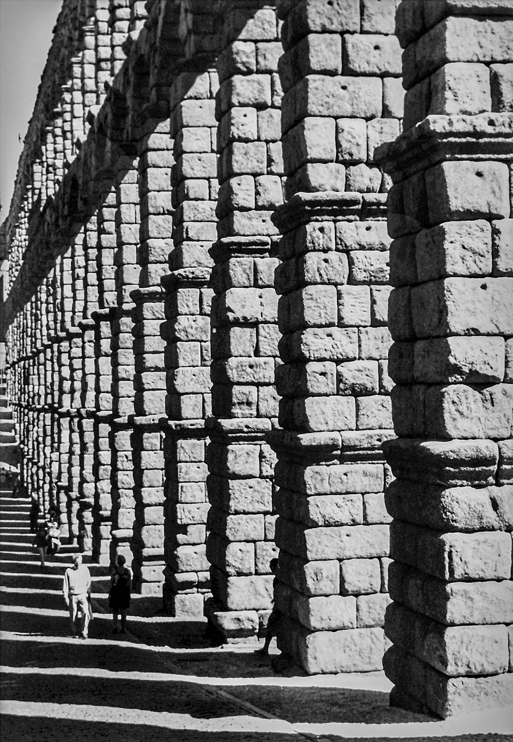 Segovia Shadows, Segovia