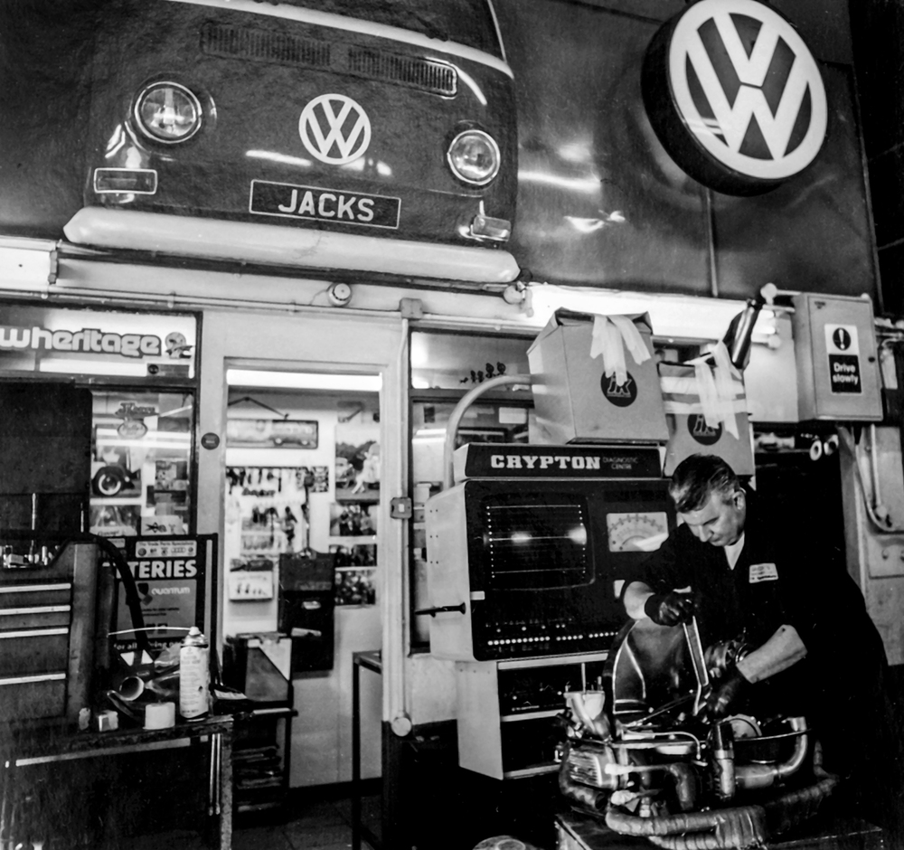 Vaidas  Jack's Garage, Kingsdown Close, Latimer Road W10