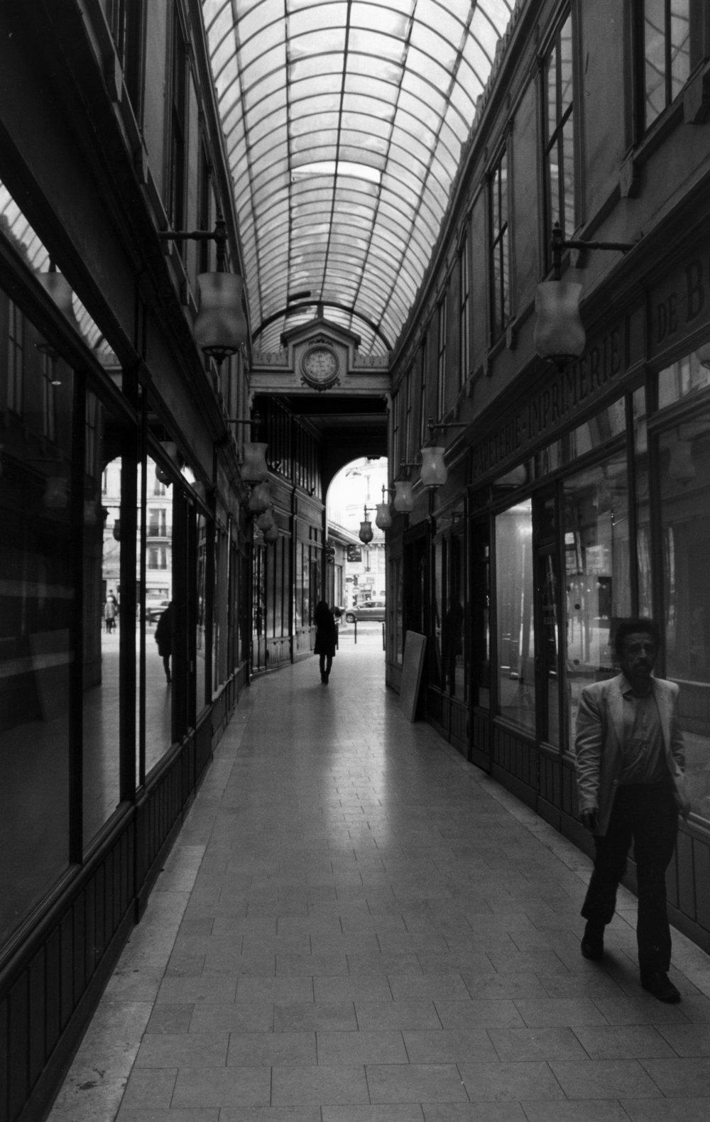 Passing Strangers  Passage du Ponceau