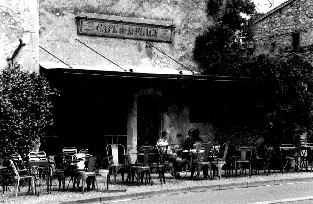 Cafe Eygalieres.jpg