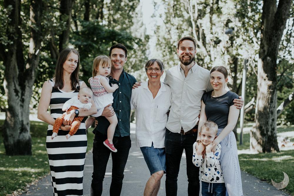 FAMILIE -