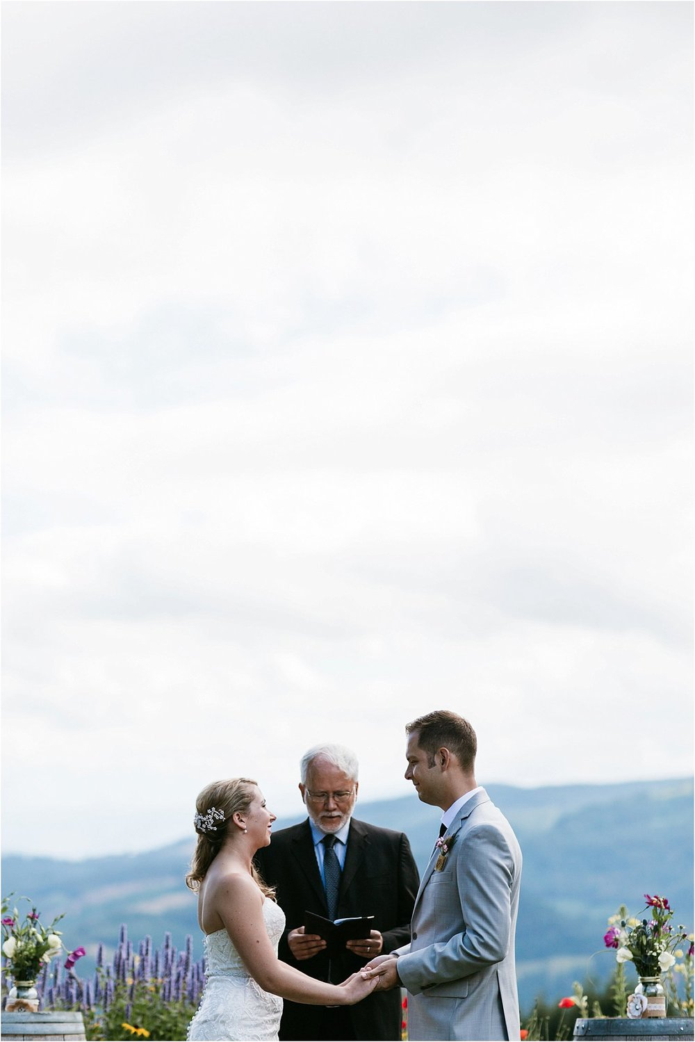 ColumbiaGorgeWedding.OregonWeddingPhotographer-83.jpg