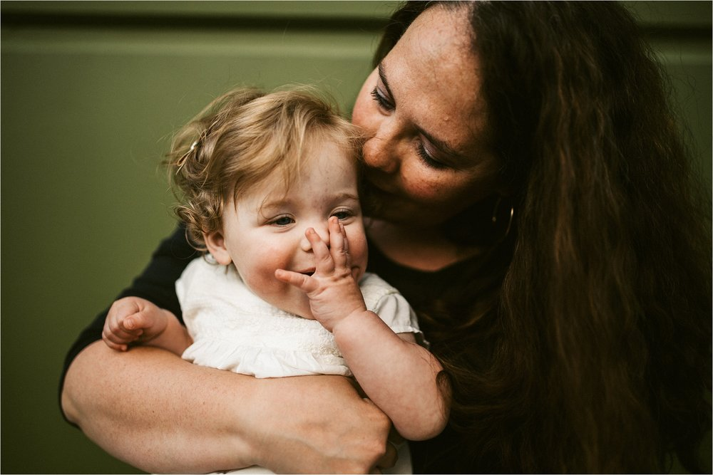 portland-family-photographer-in-home-session_0051.jpg