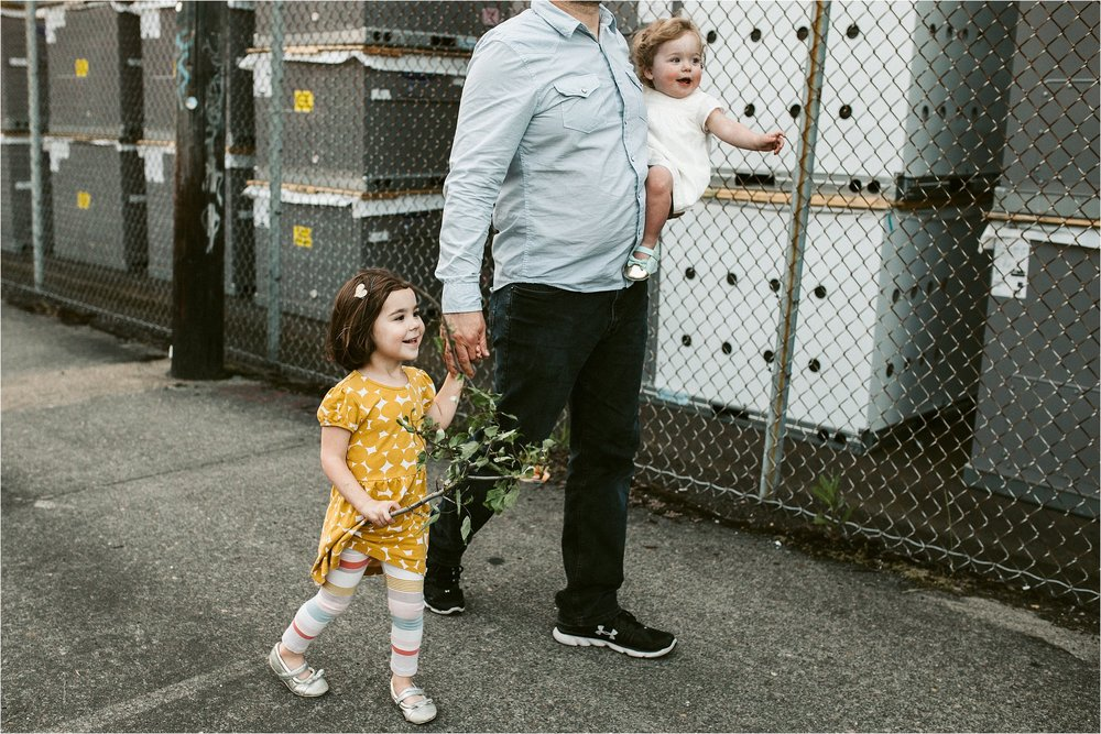 portland-family-photographer-in-home-session_0063.jpg