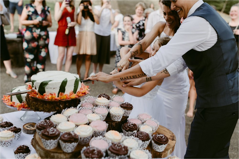 same-sex-wedding-catherdral-park-portland-indie-photographer_0250.jpg