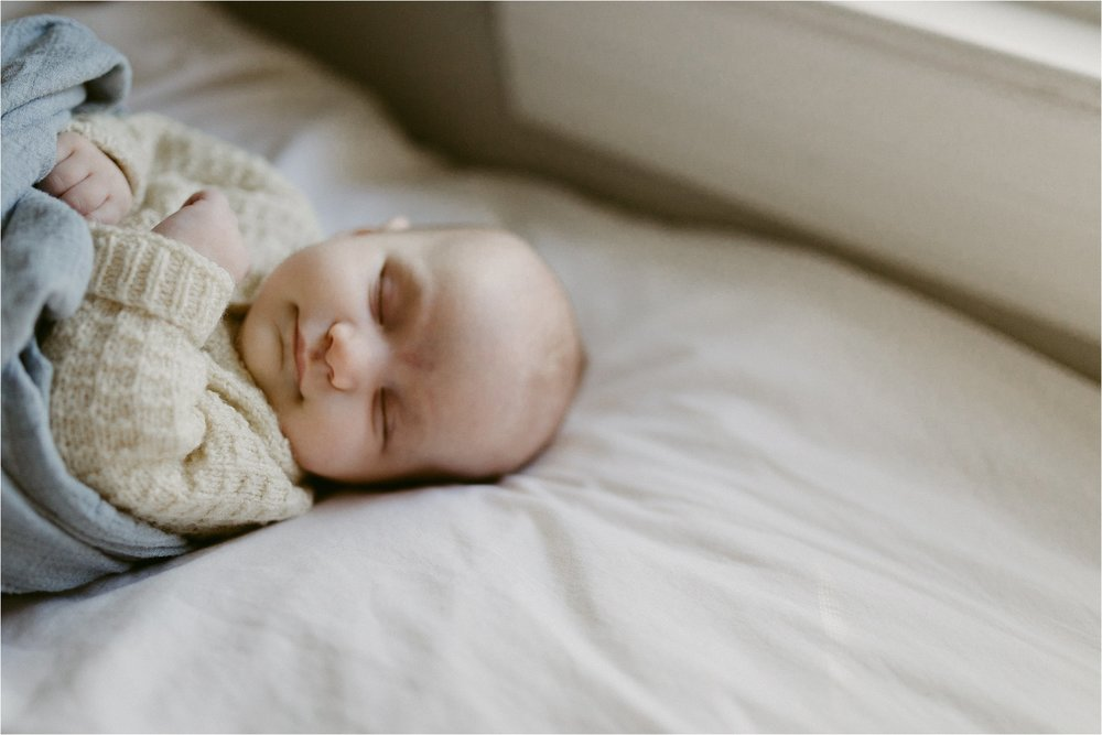 in-home-lifestyle-mama-and-baby-session-portland-family-photographer-6.jpg