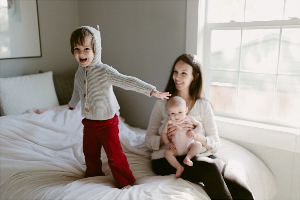 in-home-lifestyle-mama-and-baby-session-portland-family-photographer-40.jpg