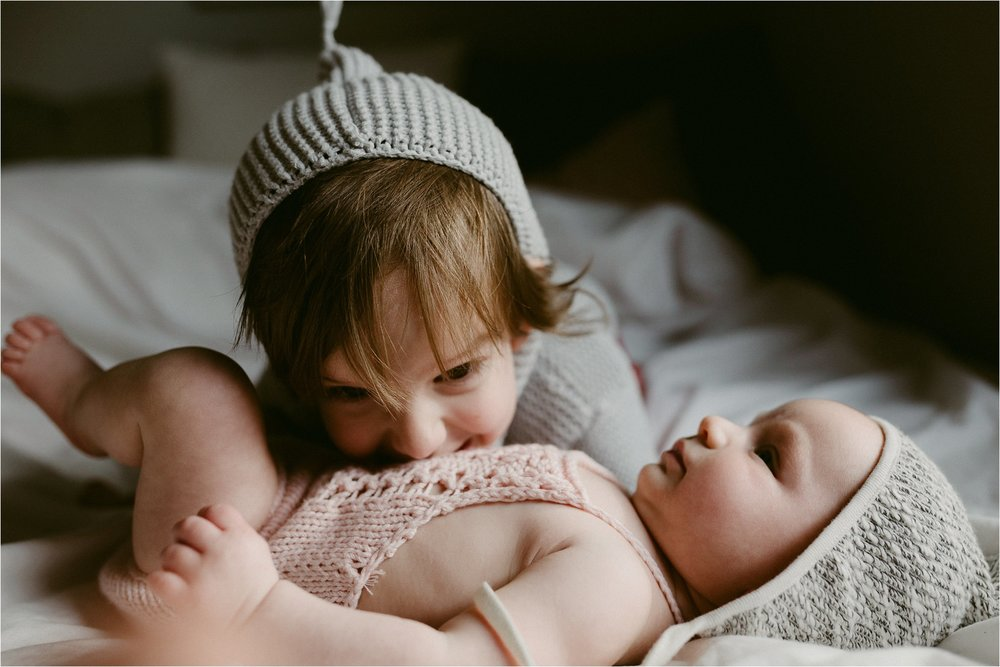 in-home-lifestyle-mama-and-baby-session-portland-family-photographer-46.jpg
