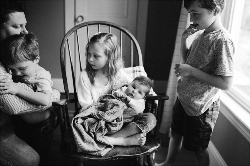 portland-family-photographer-in-home-session-11.jpg