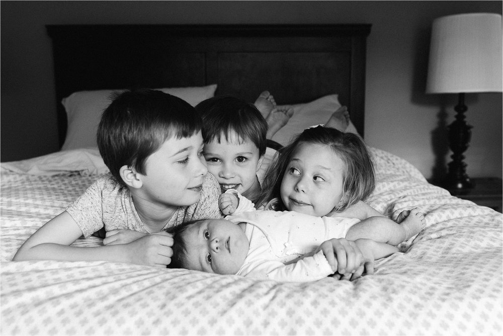portland-family-photographer-in-home-session-24.jpg