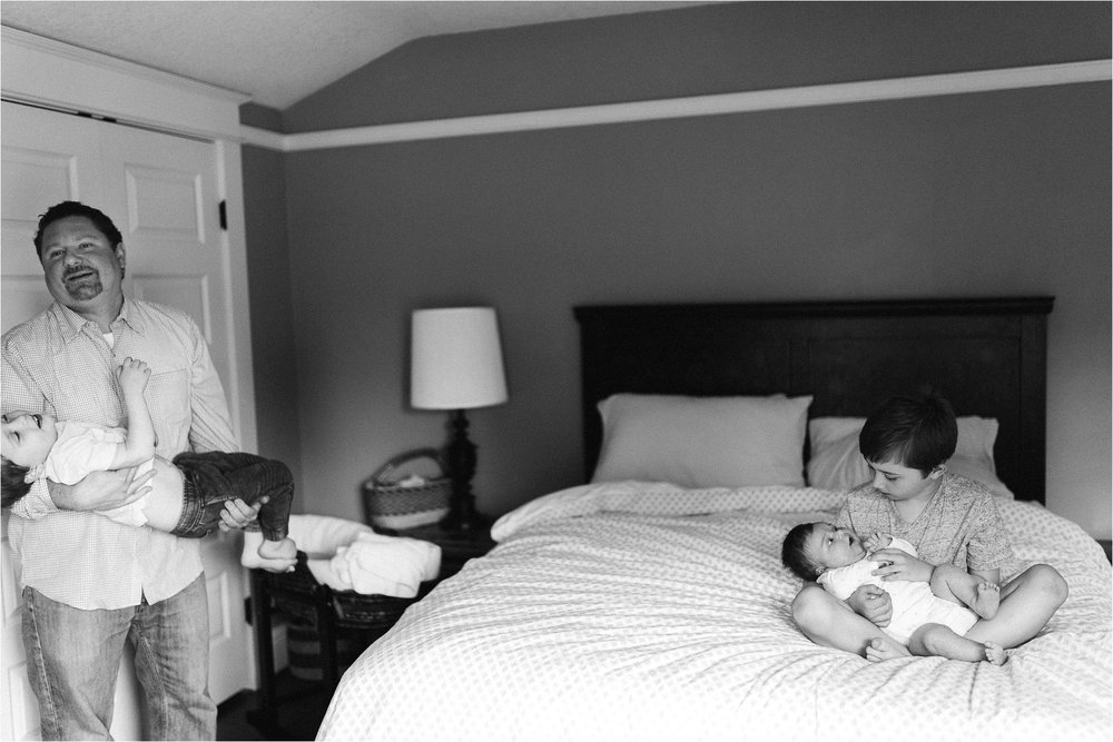 portland-family-photographer-in-home-session-31.jpg