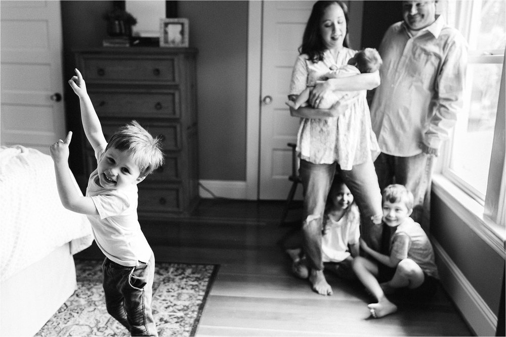 portland-family-photographer-in-home-session-37.jpg