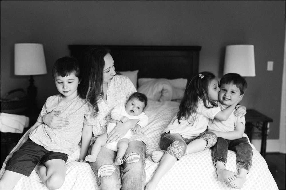 portland-family-photographer-in-home-session-38.jpg