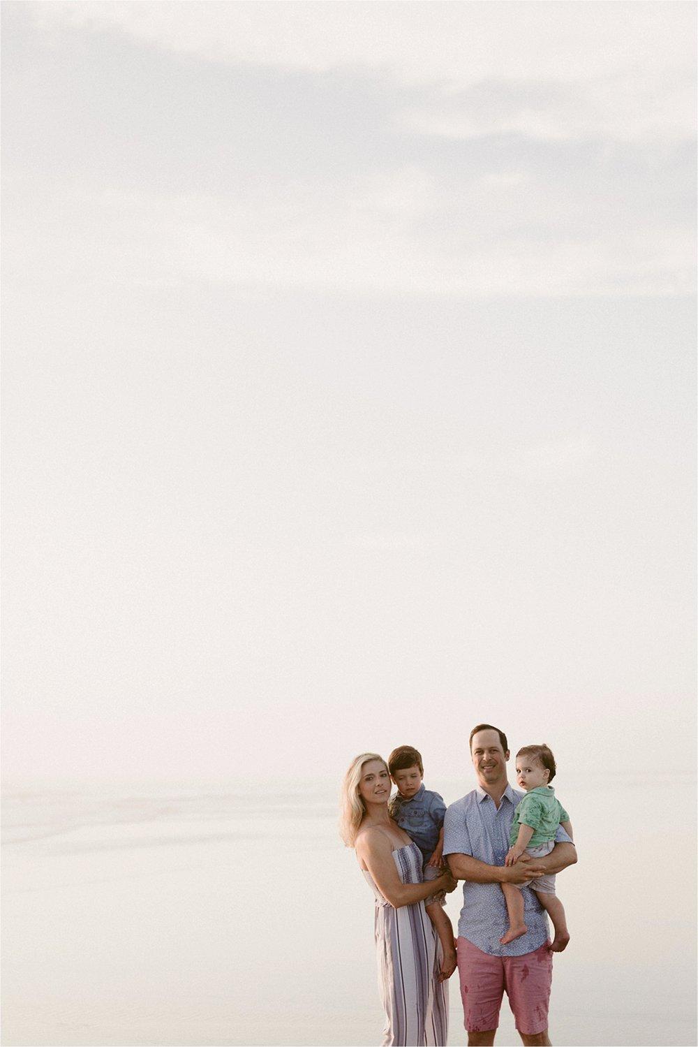oregon-coast-dramatic-sunset-family-session_0021.jpg