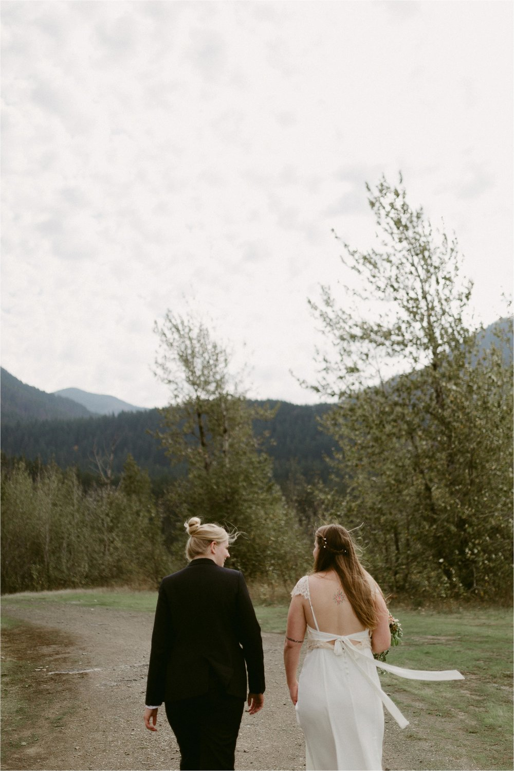 columbia-river-gorge-elopement-70.jpg