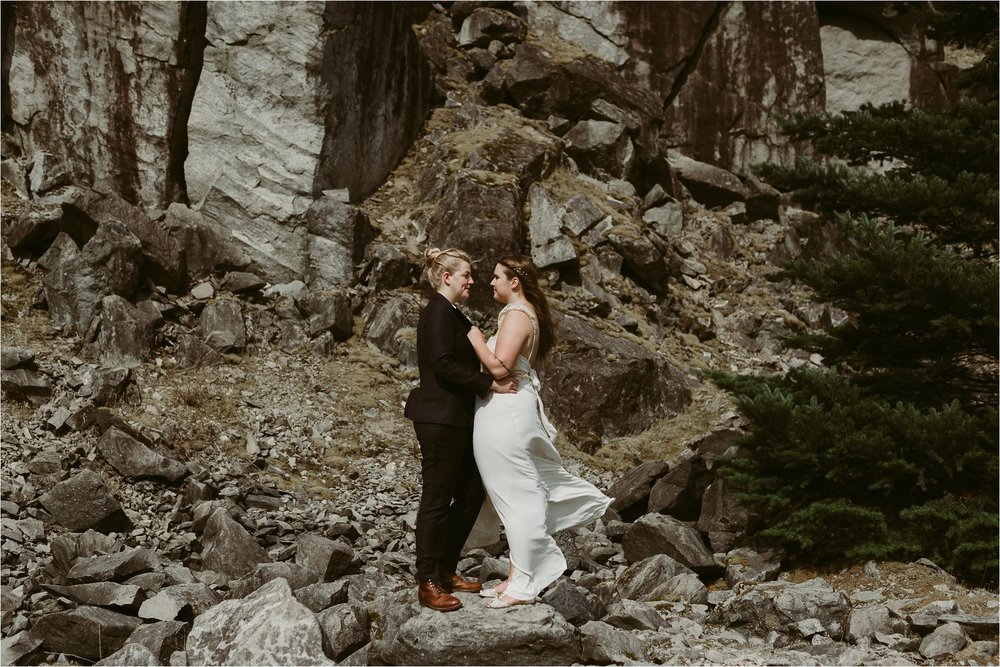 columbia-river-gorge-elopement-98.jpg