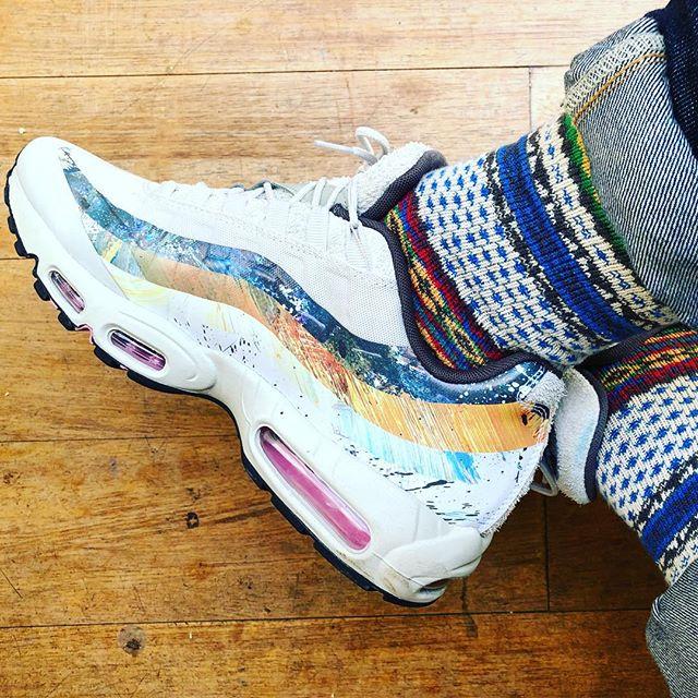 Coordination. #chupseason #chups #chupsocks #madeinjapan #sockgame #socks #sockclub #sockrules #nike #am95 #am95davewhite @pruffs