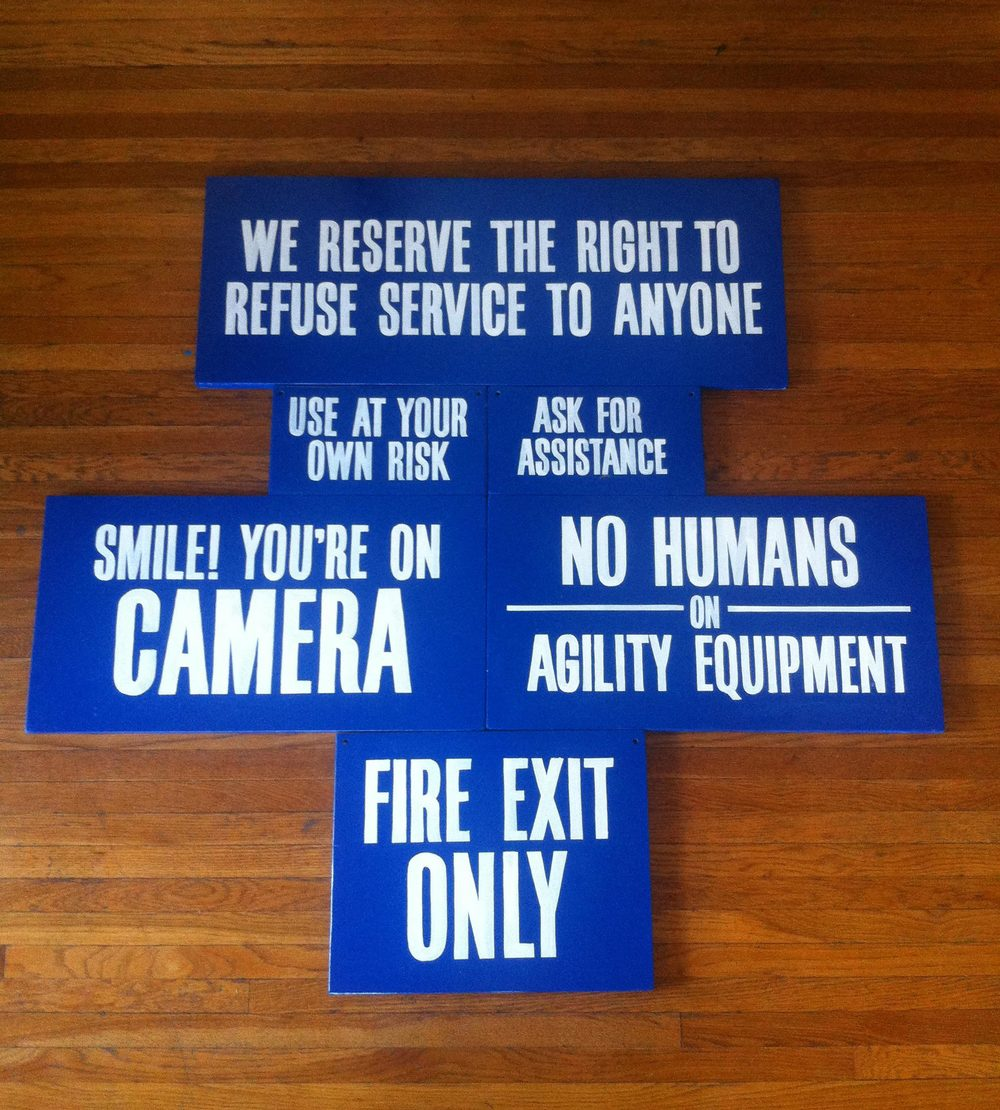 Directional Signs for Blue Collar Working Dog