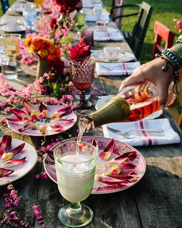 Come celebrate all things soulful, authentic, extravagant, playful, rebellious and bold. Tickets are on sale TODAY for our spring Feasts in the Field: Monday, April 1 and Tuesday, April 2. ✨ In the spirit of bringing people together, we'll welcome New Orleans' very own Kelly Fields of Willa Jean, joined by Cheetie Kumar of Garland in Raleigh, NC. These two wildly talented women will be bringing their unique and colorful culinary voices to our field. ✨ Get your tickets and read all the details about the Feasts, Rancho Mercado, the Headdress Workshop and more at ranchopillow.com or follow the link in our profile. We'll see you at Rancho!  #antiquesfair #goingtoroundtop #visitroundtop #roundtop #feastsinthefield #ranchopillow #marburgerfarm #marburger