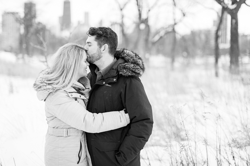 winterlincolnparkengagement-18.jpg