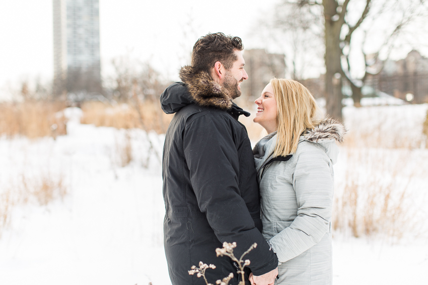 winterlincolnparkengagement-12.jpg