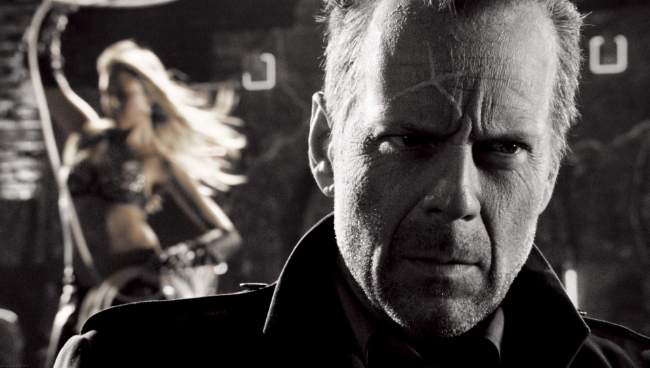 Sin-City-Bar-Bruce-Willis-Jessica-Alba-544x960.jpg