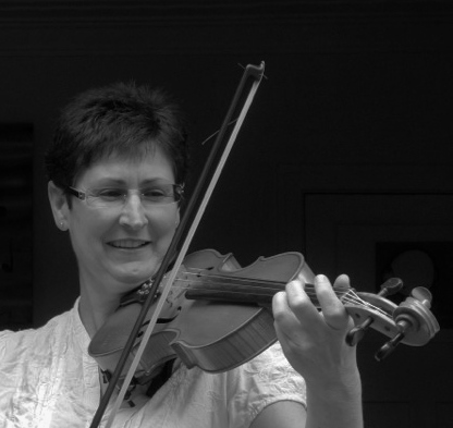 sue moxon violin