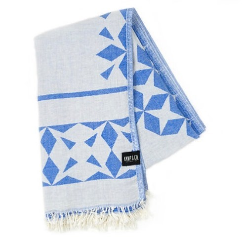 We still have a few of these super versatile travel towels!! Use code HOT for free shipping!! These babies are under $40 and you can use them anywhere!! . . . #turkishtowel #beachlife #bathtowel #homegoods