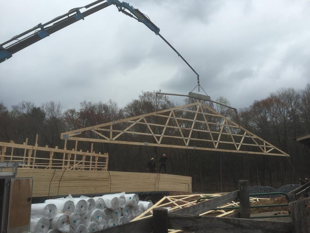 BuildingTheBarn170.JPG
