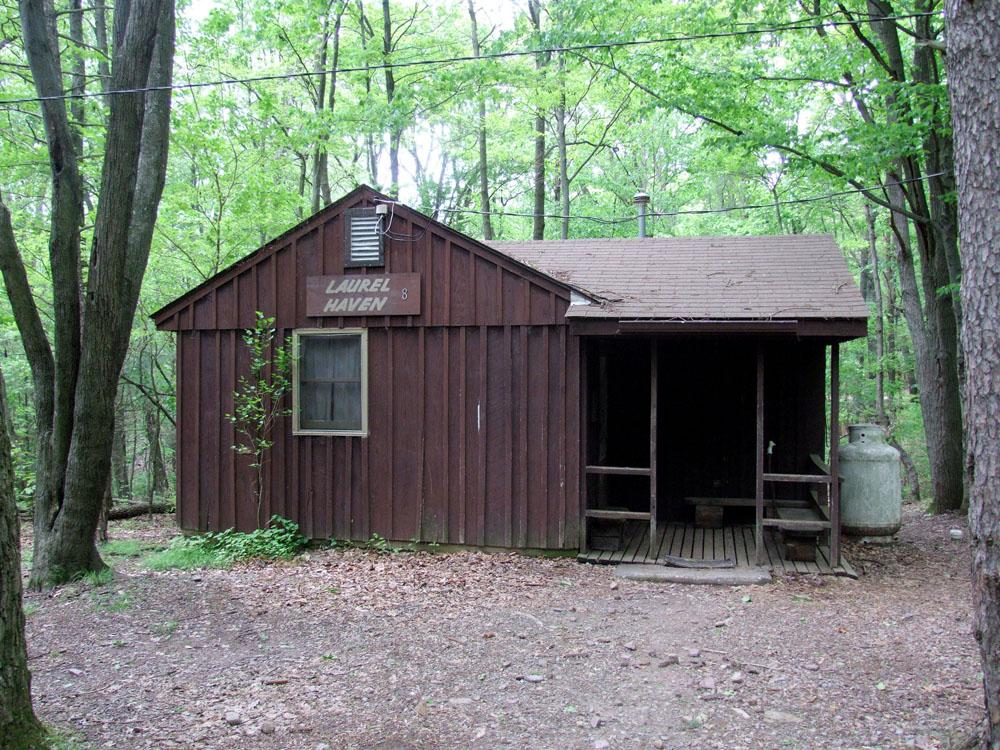 Breezewood Cabins -