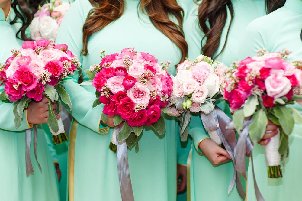 Brides in teal Ao Dai.  Loveandsparrows.com.  Photo by Celina Gomez