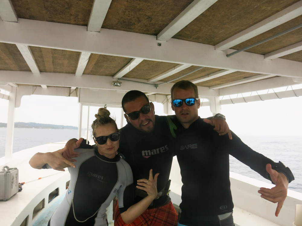 Before diving Bikini Bottom, with Denisa and Bryan; Roatán, Honduras.