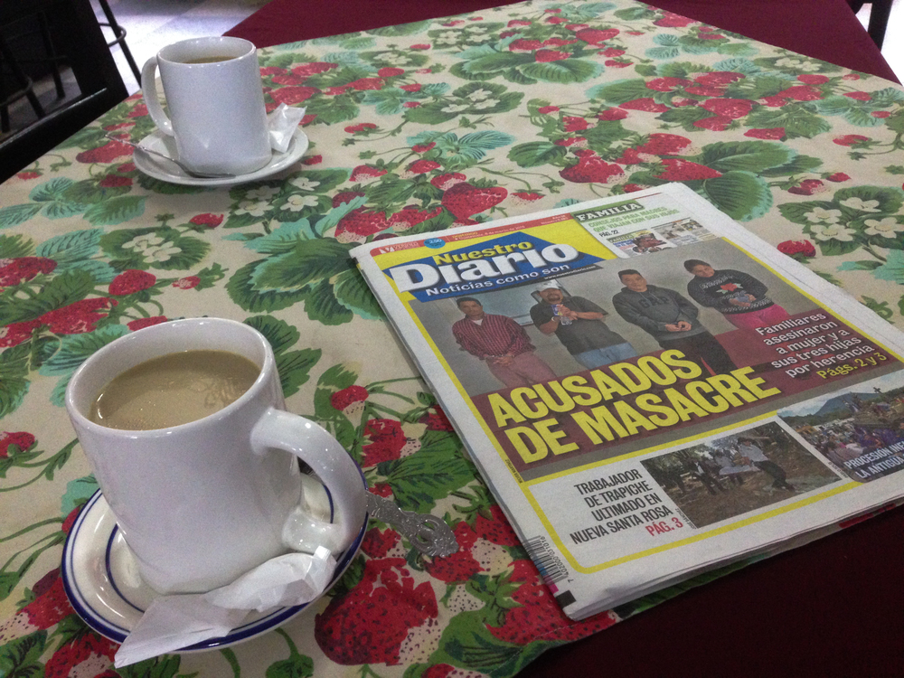 Coffee anda newspaper to practice mySpanish. This was before we reached San Pedro Sula, and before Diana Express.