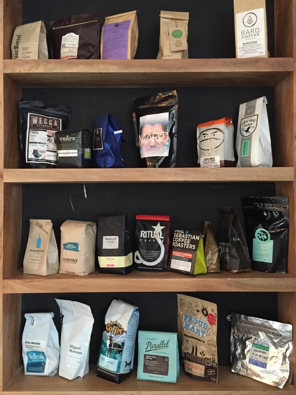 El Dorao, a café in Peña Blanca, showing off its global reach.