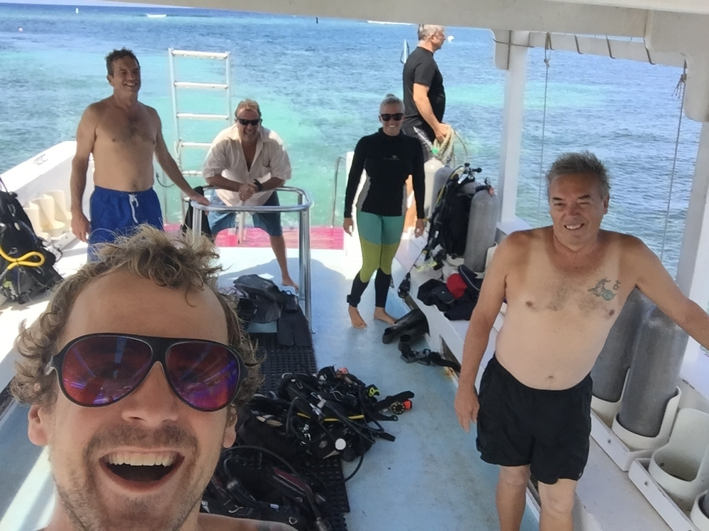 Diving in Honduras. Nothing beats diving with a group of pros, especially on a difficult dive with strong current. I feel so privileged to have finally gone diving with John Hart, one of my earliest dive mentors and a lifelong diver with some wild stories from his time diving in the Navy.