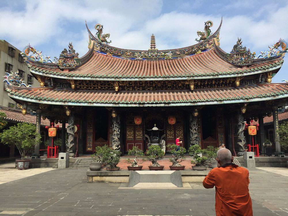 The temple was built in 1804 to replace the previous shrine from 1742 (大隆同).