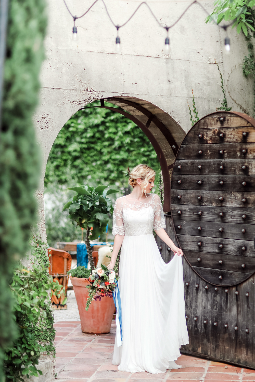 Austin-Wedding-Photographer-Styled-Mid-Century-Modern-Shoot-16.jpg